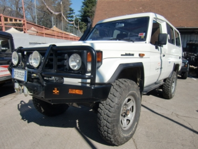 Toyota Land Cruiser HZJ 78