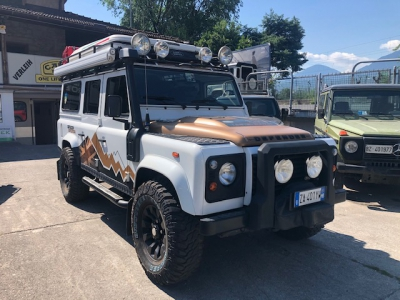 Land Rover Defender 110 SE TD4 2.2 Expedition